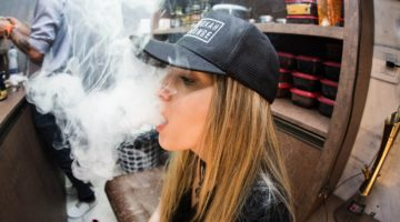 Technology and Vaping: Four of the Coolest Features